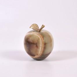 Сувенирное большое яблоко из оникса